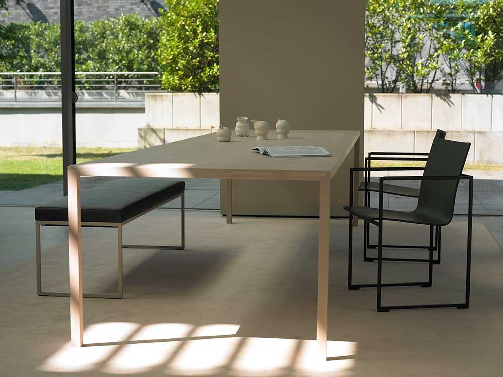 Arco-Slim-eettafel-eetkamerbank-hout-licht-1