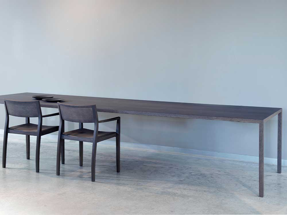 Arco-Slim-eettafel-hout-donker-3