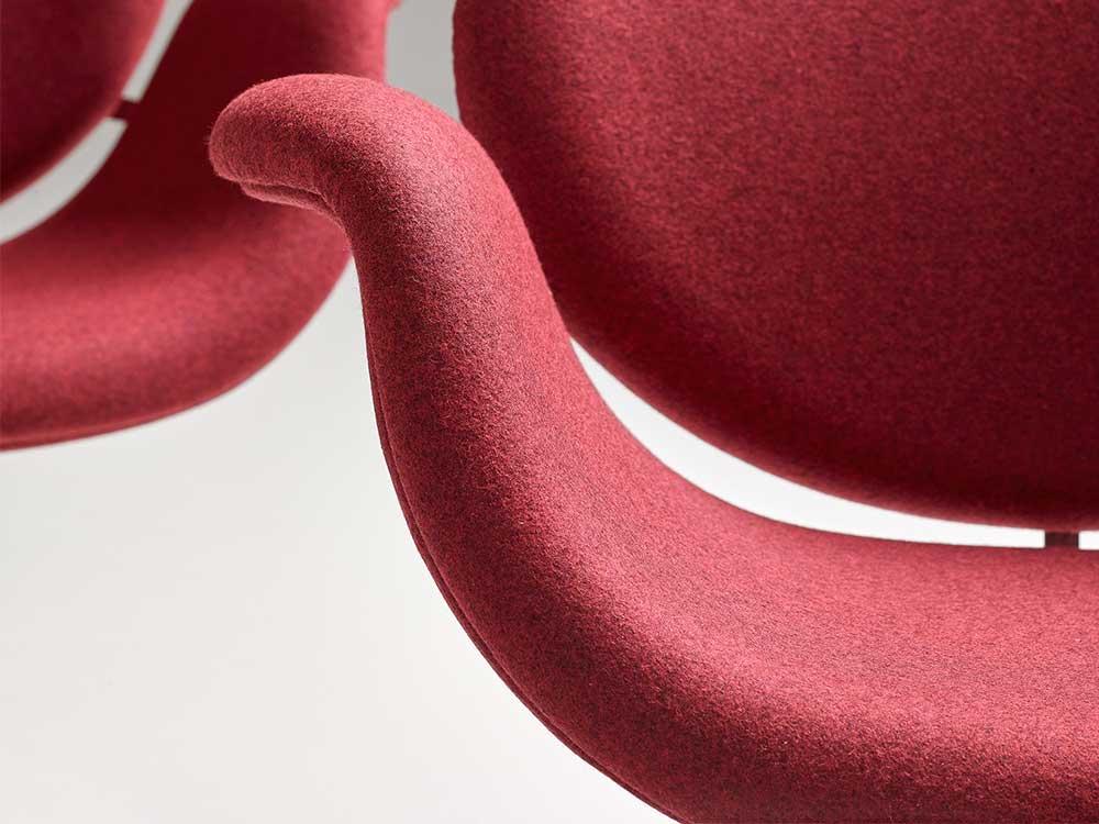 Artifort-Tulip-Midi-Chair-eetkamerstoel-rood-stof-detail