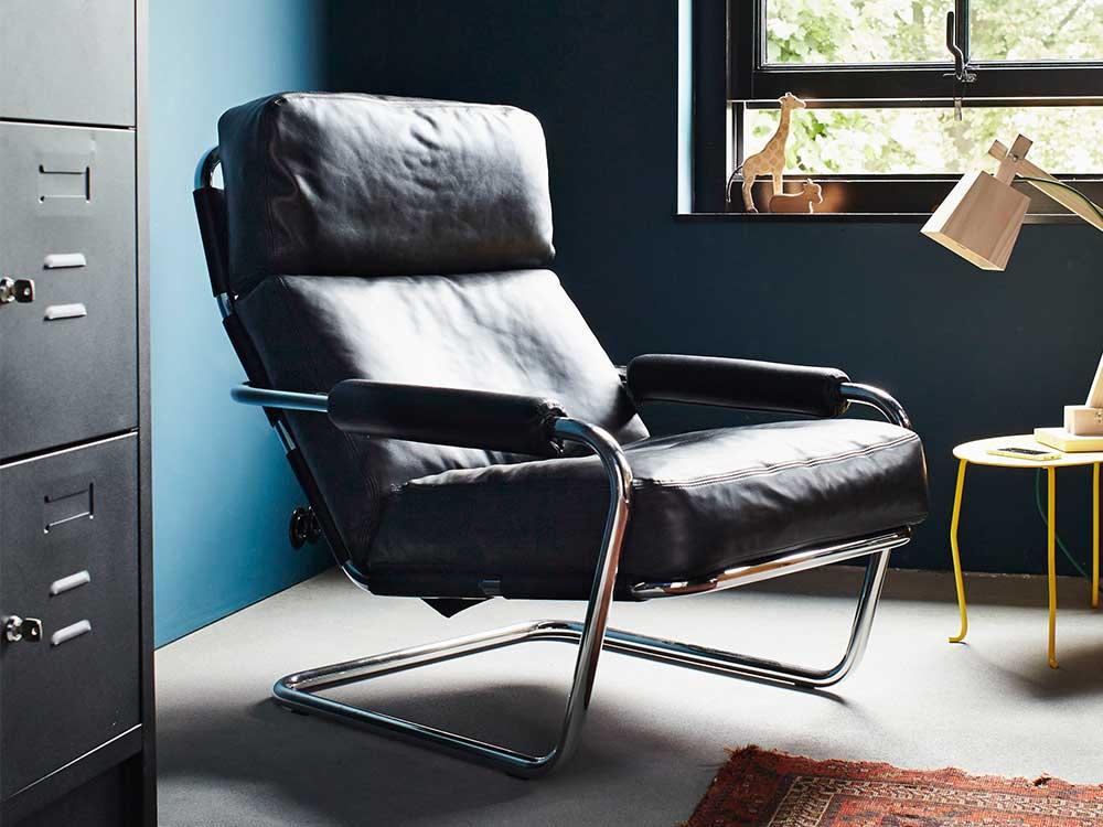gelderland-601-fauteuil-donkerblauw-leer-sfeer-2