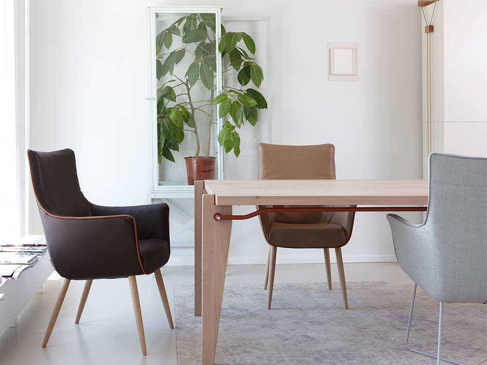 Gerard Van Den Berg 2 Design Eetkamerstoelen.Label Chief Eetkamerstoel
