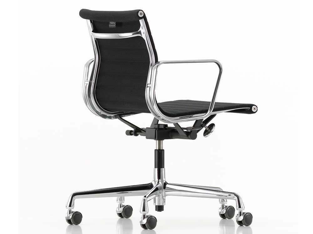 Vitra-Aluminium-Chair-118-zwart-2
