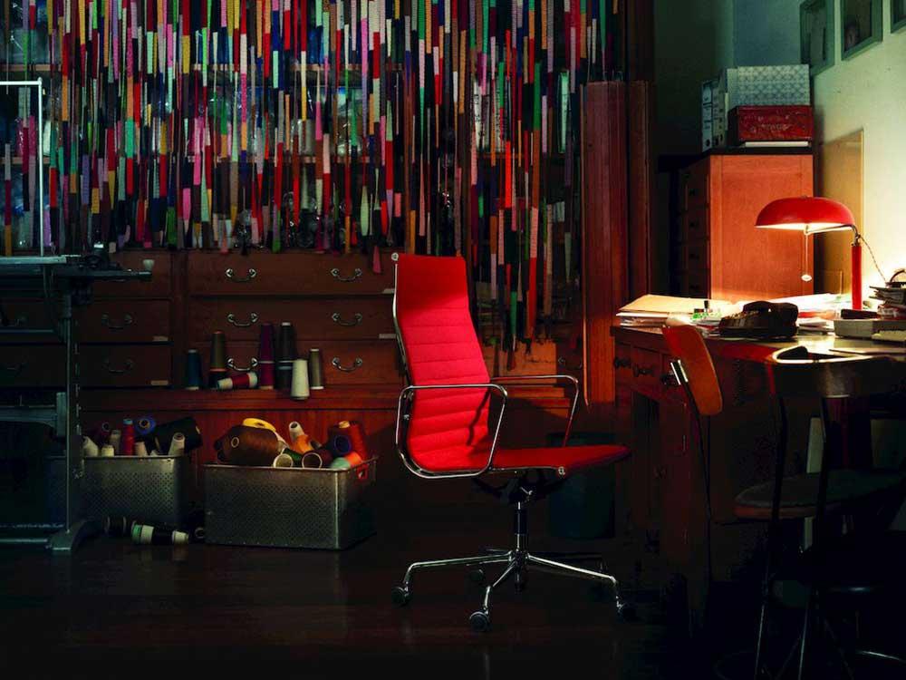 Vitra-Aluminium-Chair-119-hoog-stof-rood