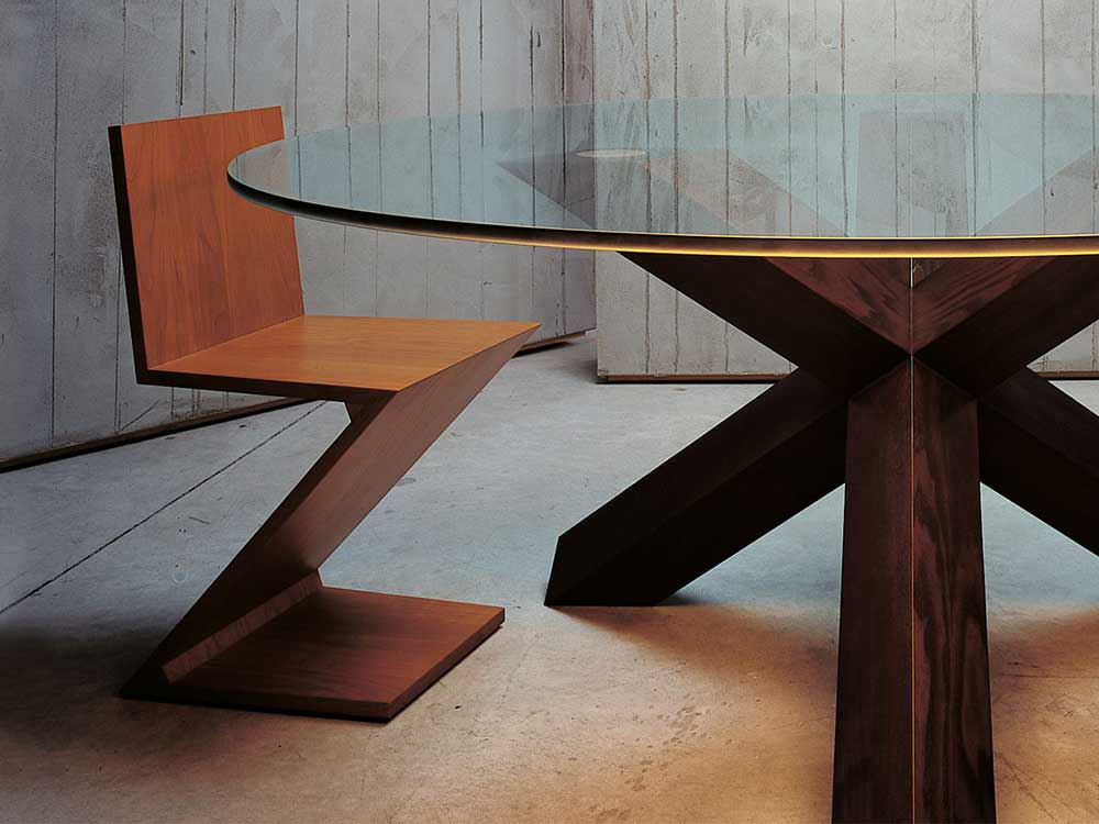cassina-280-zig-zag-eetkamerstoel-bruin-hout-sfeer