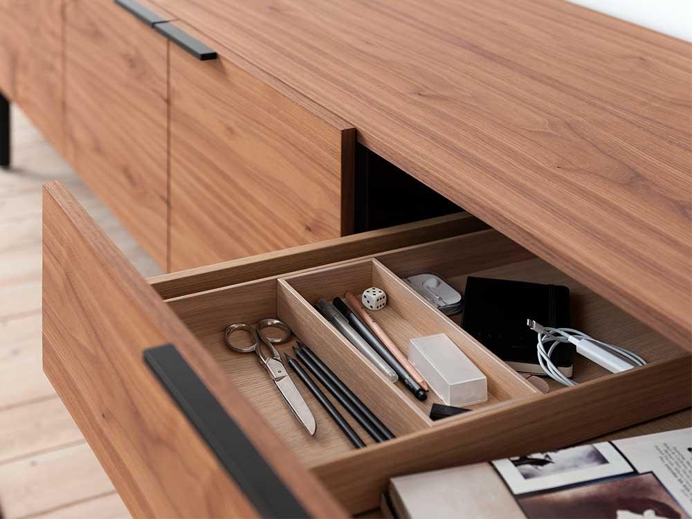 pastoe-frame-dressoir-bruin-hout-detail-2