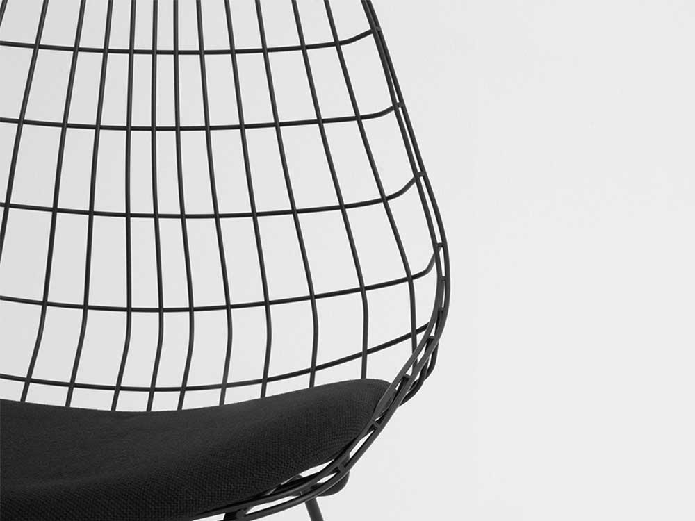 pastoe-wire-eetkamerstoel-zwart-detail