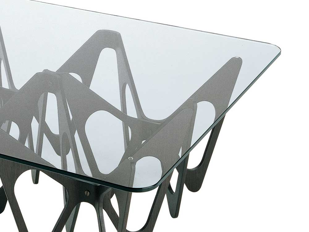 zanotta-butterfly-salontafel-zwart-hout-detail-2