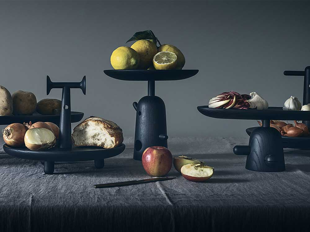 cassina-reaction-poetique-tafel-zwart-sfeer