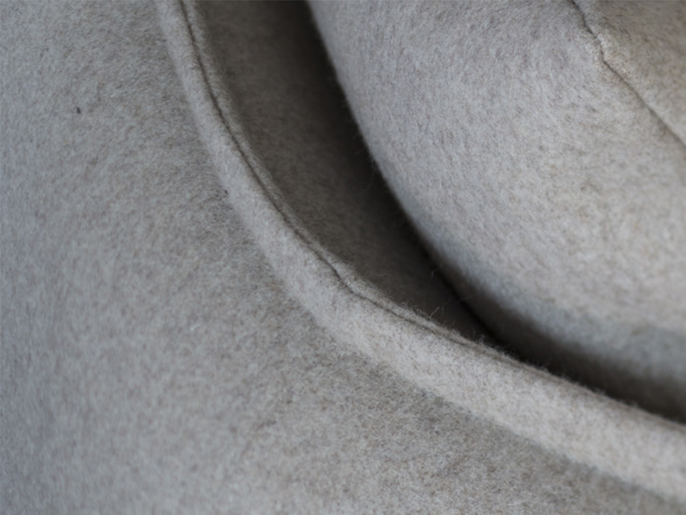 moroso-chamfer-bank-bruin-stof-detail
