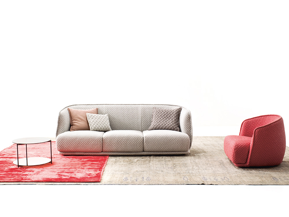 moroso-redondo-fauteuil-rood-stof-sfeer