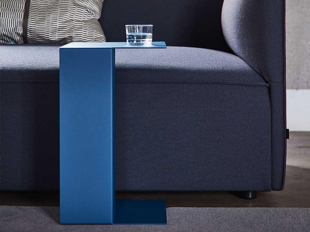 gelderland-ori-bijzettafel-staal-blauw