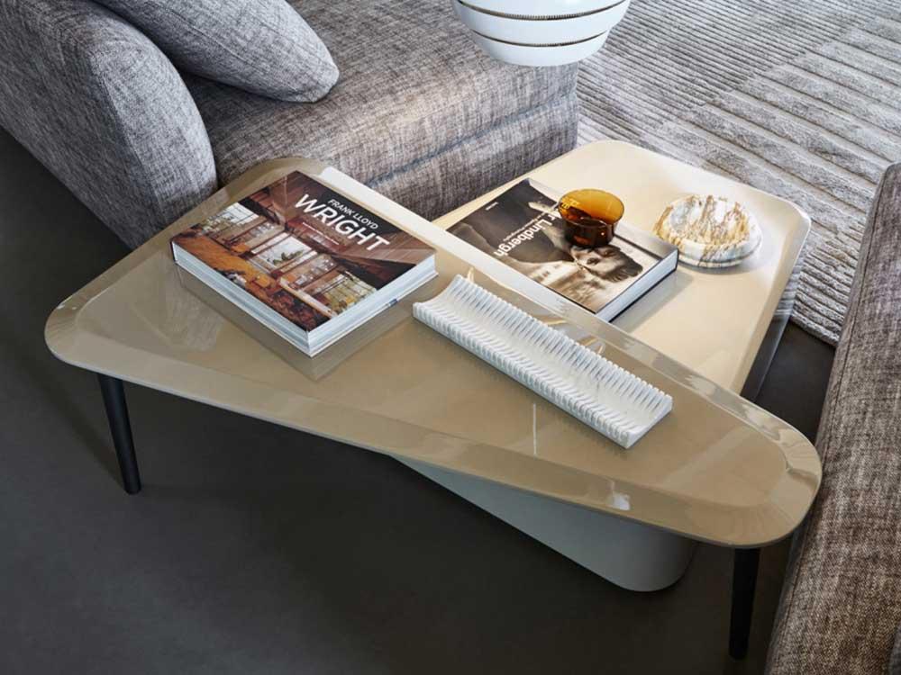 Molteni-Belsize-salontafel-creme-hoogglans