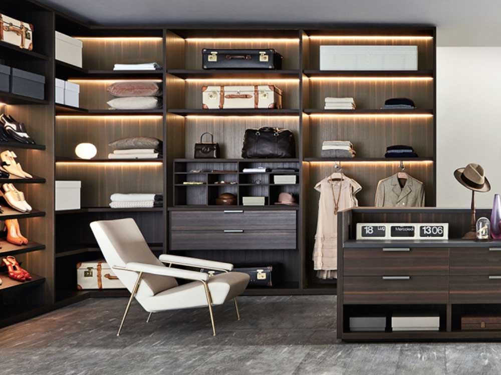 Molteni-Gliss-masters-walkin-element-hout