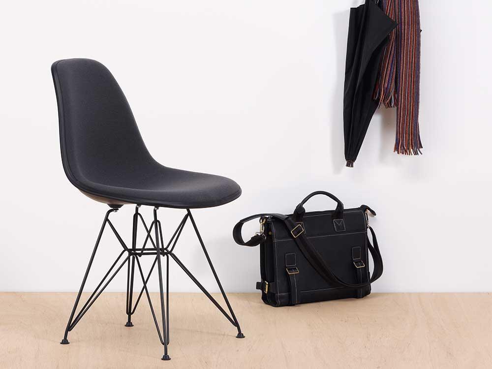 Vitra-Eames-Plastic-Side-Chair-DSR-zwart