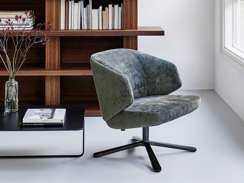 Back-me-up-fauteuil-lounge-stof-grijs-1-zij