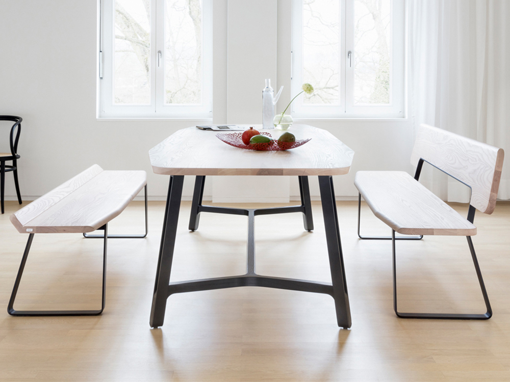 Thonet-s-1092-tafel