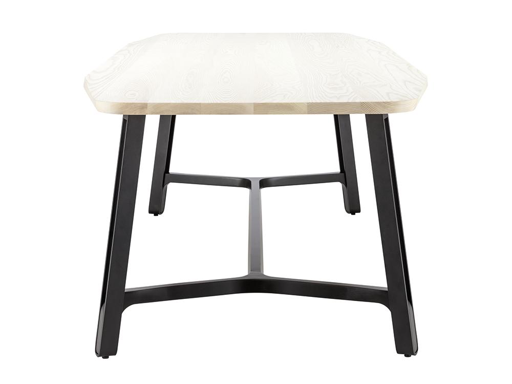 Thonet-s-1092-tafel-zij