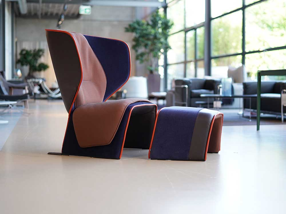 CASSINA: GENDER FAUTEUIL + HOCKER