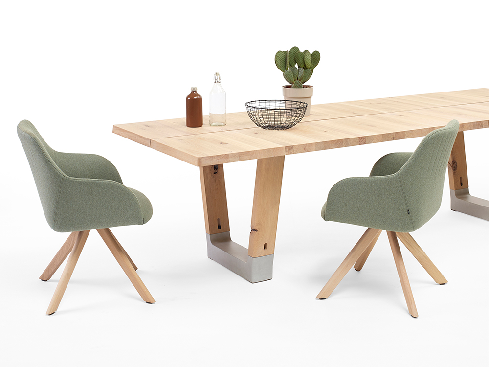 ARCO: RE-BASE EETTAFEL & EASE STOELEN
