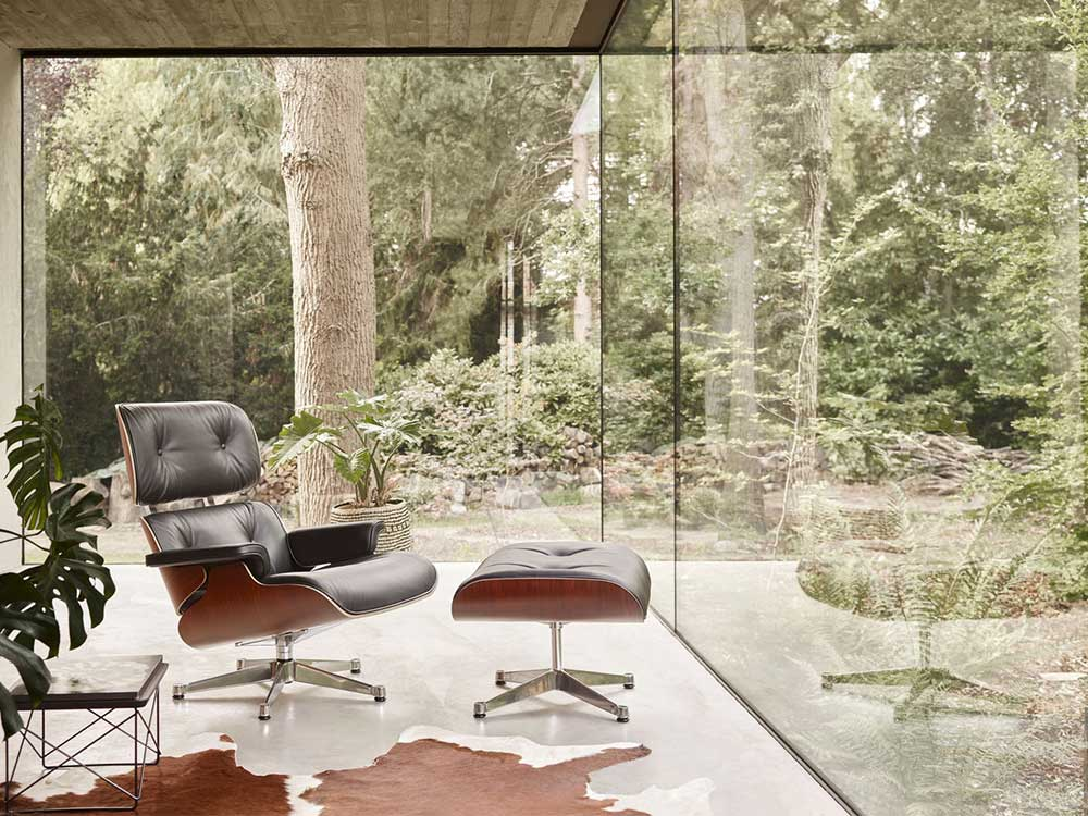 VITRA: EAMES LOUNGE CHAIR