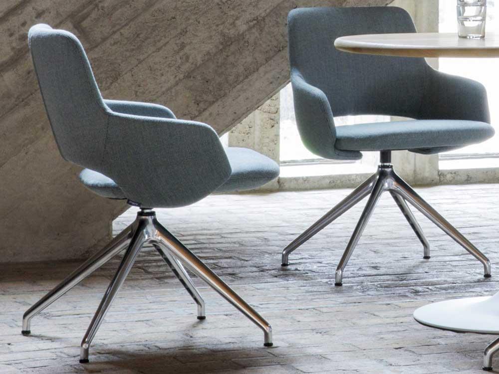 Artifort-Jima-stoel-sfeer-blauw-1
