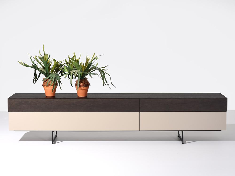 castelijn-tapa-lowboard-zwart-grijs
